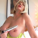Watch Porn Stream Online – 1 Mature.nl presents Amy (EU) (54) in British Amy gets a present from a fan – 14.03.2017 (MP4, FullHD, 1920×1080)