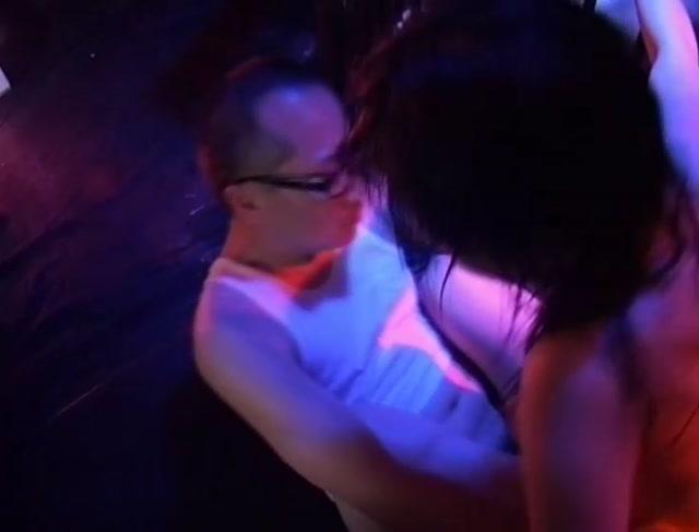 Rape_-_Triple_Raped_-_April_Tung_Ling__Wong_Ching__Bo_Chi__Lee_Long-Ming__Choi_Tat-Wa__Siu_Mu-Chuen__Chin_Yiu-Wing.avi.00015.jpg