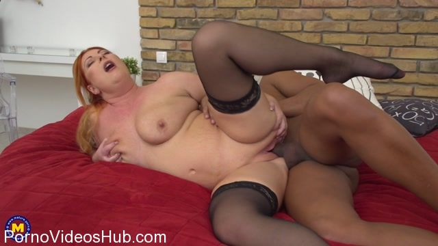 Mature.nl_presents_Alex__42__in_big_breasted_housewife_Alex_goes_interracial_-_23.12.2017.mp4.00012.jpg