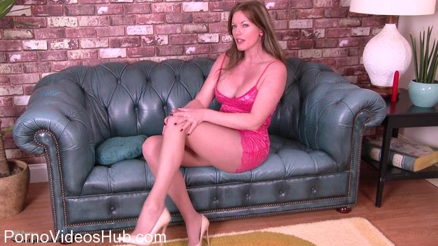 Pantyhosed4U_presents_Holly_Kiss_-_Stay_in_for_fun__-_07.03.2018.mp4.00002.jpg