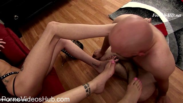 Primals_FOOTJOBS_presents_Kimber_Veils___Ivy_Brooks_in_Stripper_Domination_Foot_Job.mp4.00004.jpg