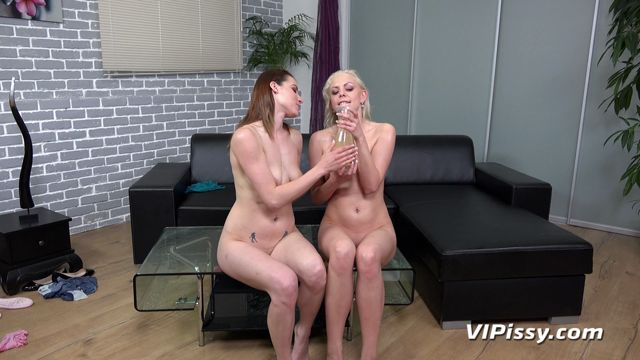 VIPissy_presents_Victoria_Daniels___Julia_Parker_in_Dominoes_-_30.04.2018.mp4.00011.jpg