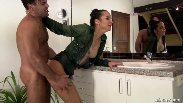 PissingInAction_presents_Francys_Belle_in_Piss_Sex_All_Over_The_Bathroom_-_Anywhere_But_The_Toilet__-_03.06.2018.mp4.00006.jpg