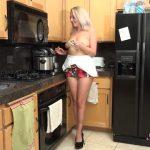 Watch Porn Stream Online – Auntjudies presents Elle (MP4, FullHD, 1920×1080)