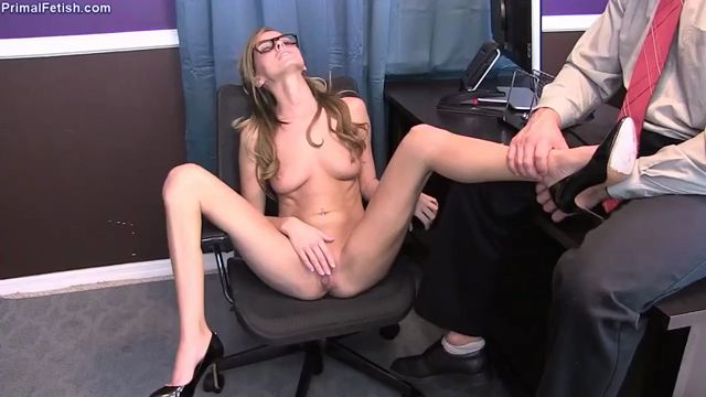 Primals_FANTASIES_presents_Pristine_Edge_in_Pristine_-_Training_the_Secretary.mp4.00007.jpg