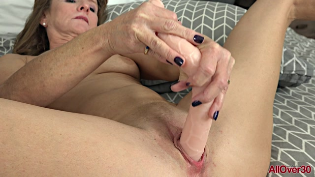 Allover30_presents_Cyndi_Sinclair_51_years_old_Ladies_With_Toys___22.01.2019.mp4.00014.jpg