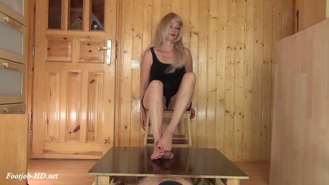 Cruel_Ball_Squeezing_Footjob__feat._Alina_-_Aballs_and_cock_crushing_sexbomb.mp4.00000.jpg