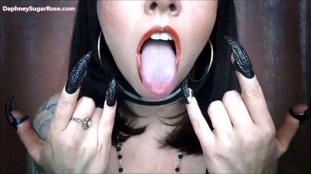 DaphneySugarRose_-_Cum_Wank_to_My_Tits_and_Your_Dark_Master__The_Sequel.mp4.00011.jpg