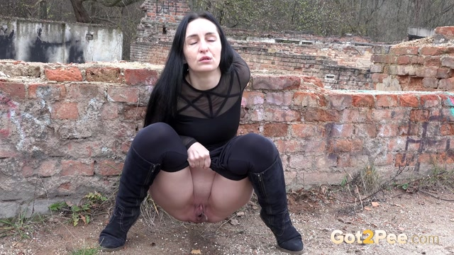 Watch Free Porno Online – Got2pee presents desperate times (MP4, FullHD, 1920×1080)
