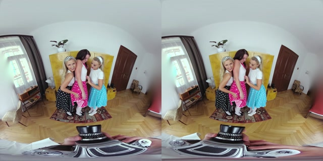 Czechvr_presents_VR_273_Retro_Photo_Session_-_Elena_Vega__Emma_Button__Lola_Myluv.mp4.00001.jpg