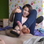 Watch Porn Stream Online – Footjob In Flip Flops – Karolinka Feet (MP4, FullHD, 1920×1080)