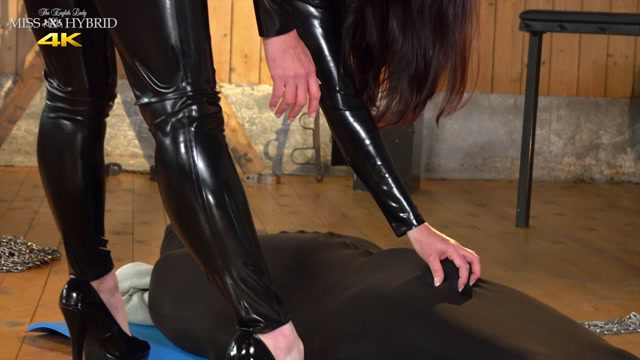 Kinky_English_Lady_Miss_Hybrid___Forced_Pussy_Licking_And_Orgasm.mp4.00000.jpg