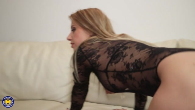 Mature.nl_presents_Nadina__32_.mp4.00005.jpg