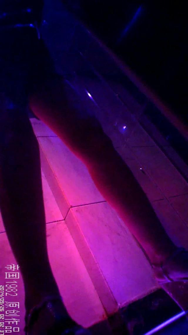 Watch Free Porno Online – Pissing Porn – Toilet in chinese nightclub 4 (MP4, UltraHD/2K, 1080×1920)