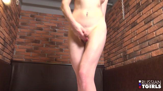 Russian-tgirls_presents_Lisa_Reaches_An_Orgasmic_Climax___18.05.2019.mp4.00014.jpg