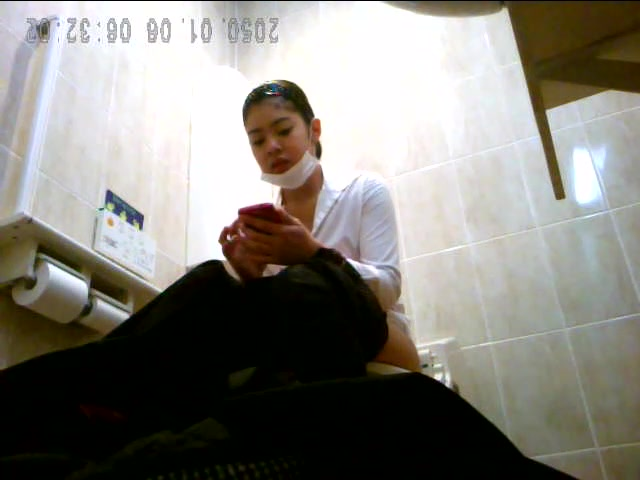 Asian_toilet_hidden_cam.mp4.00012.jpg