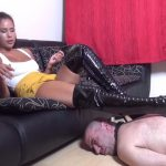 Watch Porn Stream Online – FOXY FOOT BRATS – Lady Alice – Worship My High Boots – Face And Body As A Stool For My High Boots (MP4, FullHD, 1920×1080)