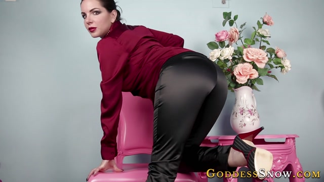 Alexandra_Snow_-_Luscious_Satin.mp4.00003.jpg