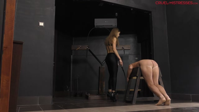 CRUEL_MISTRESSES_-_Yelling_with_the_slave._Starring_Mistress_Lucy.mp4.00001.jpg