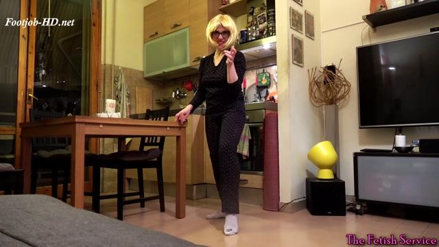 Cloe_footjob_-_Dafnefetish_The_fetish_service.mp4.00003.jpg