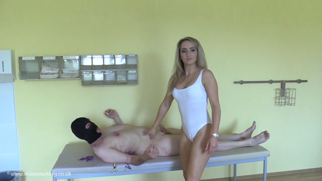 Mistress_Courtneys_Fetish_Lair_-_Nipple_Torture_at_The_Farm.mp4.00012.jpg