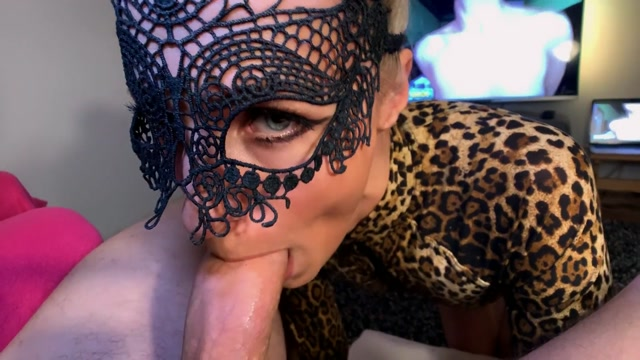 Saliva_Bunny_in_001_Hot_Blonde_with_Beautiful_Eyes_and_Sexy_Face_gives_me_best_Blowjob.mp4.00005.jpg