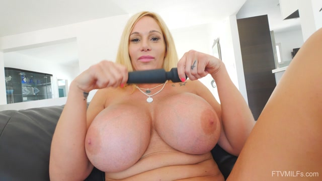 FTVMilfs_presents_Tyler_in_Busty_Lusty_Blonde_-_Larger_Than_Life_4_-_20.08.2019.mp4.00015.jpg