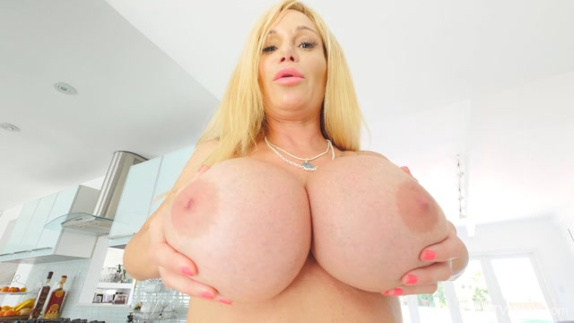 FTVMilfs_presents_Tyler_in_Busty_Lusty_Blonde_-_Larger_Than_Life_5_-_20.08.2019.mp4.00010.jpg