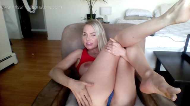 ManyVids_presents_Miss_Madison_Stone_-_smell_my_farts_first_big_titty_worship.mp4.00012.jpg