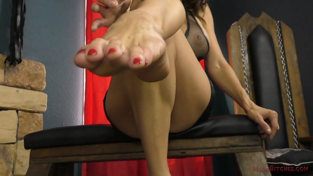 MeanBitches_-_Alexis_Fawx_POV_Slave_Orders.mp4.00006.jpg
