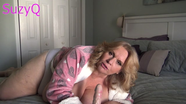ManyVids_presents_SuzyQ44ks_-_Are_You_Waiting_For_Mommy.mp4.00015.jpg