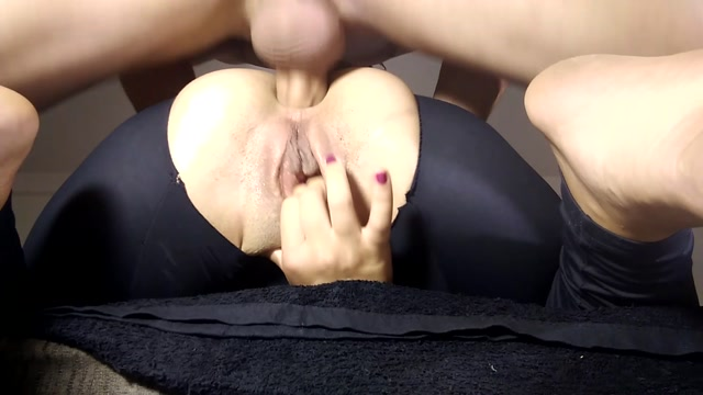 ManyVids_presents_april_bigass_-_deep_throat__anal_fist_and_squirting.mp4.00012.jpg