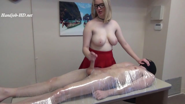 Meanjobs_93_Big_Tits_Carly_Makes_Sperm_Showers___-_Bossy_Girls.mp4.00013.jpg