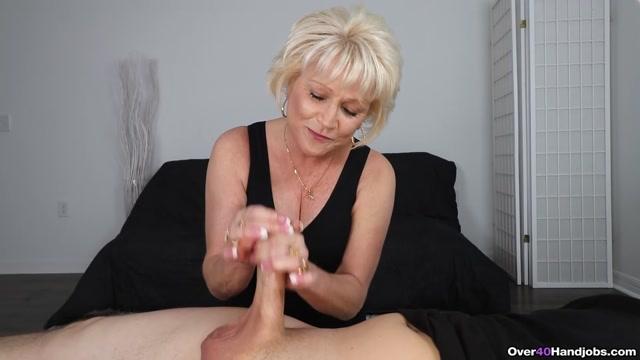 Mrs._Sixxx_Makes_Him_Spurt_-_Over_40_Handjobs_-_Niki_Sixxx.mp4.00009.jpg