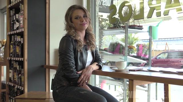 PremiumBukkake_presents_Jane_in_3_interview.mp4.00006.jpg