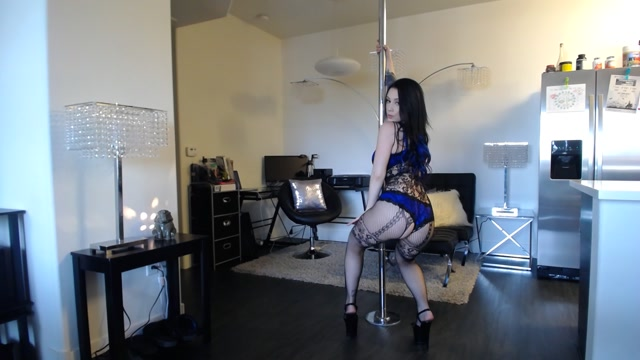ManyVids_presents_NoelleEastonXXX_-_dancing_seductively_for_you.mp4.00012.jpg