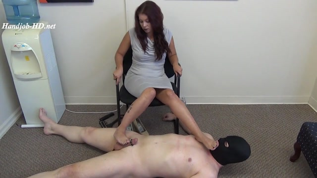 Meanjobs_72_Humiliated_Cum_Eater___-_Bossy_Girls.mp4.00008.jpg