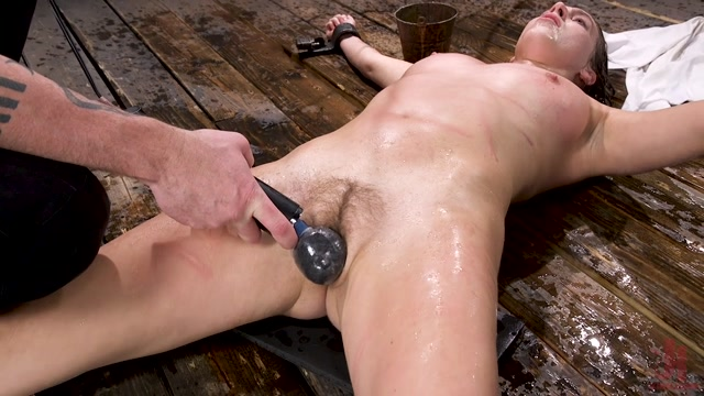 DeviceBondage_presents_Cadence_Lux_in_The_Depths_of_Hell___23.01.2020.mp4.00013.jpg