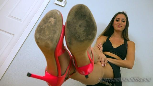 Princess_Beverly_-_Attention-Getting_Heels.mp4.00009.jpg