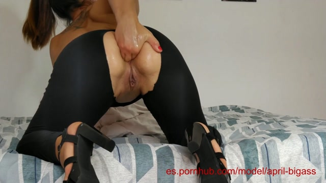 April_Bigass_self_fisted_her_ass_and_pussy.mp4.00008.jpg