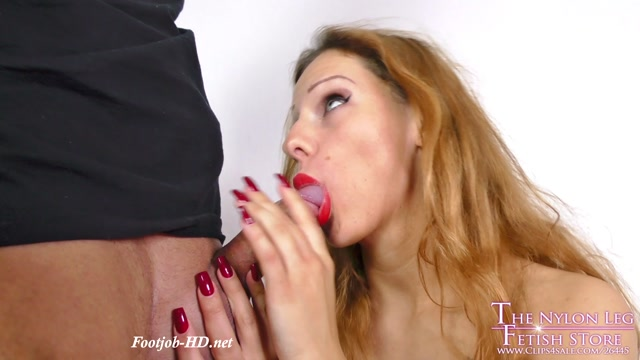 Shooting_ends_with_foot_and_blowjob_-_The_Nylon_Leg_Fetish_Store.mp4.00014.jpg