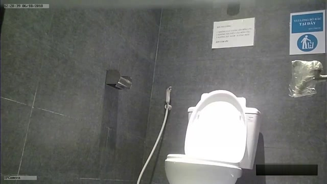 Voyeur_Toilet_Pissing_-_15298215.mp4.00008.jpg