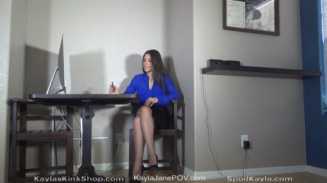 Goddess_Kayla_-_Boss_Makes_You_Her_Ass_Slave_.mp4.00000.jpg