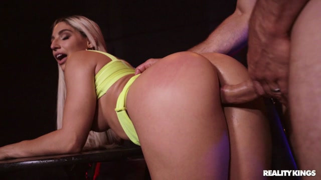 RealityKings_-_RKPrime_presents_Abella_Danger_-_The_Pirate_Gets_The_Booty___02.06.2020.mp4.00008.jpg