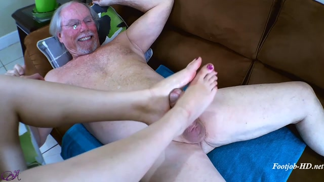 Uncle_Jack_Likes_My_Pretty_Pink_Toes_-_Aglaea_Productions_-_Lana_Anal.mp4.00005.jpg