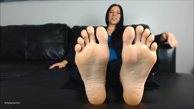 Kylie_Jacobs_-_cuck_boss_foot_cuckold_01.08.2020.mp4.00009.jpg