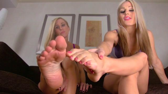 Divine_Goddess_Jessica_-_Pamper_Our_Feet_Ft_Princess_Lyne.mp4.00001.jpg