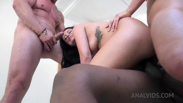 LegalPorno_presents_Anal_Slut_Chloe_Bailey_3on1_hard_fucked_with_Pee_DP_huge_facial_NF027_-_15.09.2020.mp4.00009.jpg