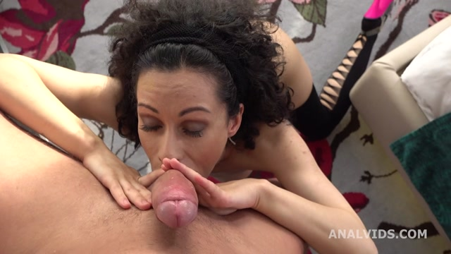 LegalPorno_presents_Stacy_Bloom_Vs_Mr._Anderson__Balls_Deep_Anal__Gapes_and_Cum_in_Mouth_GL297_-_13.09.2020.mp4.00004.jpg
