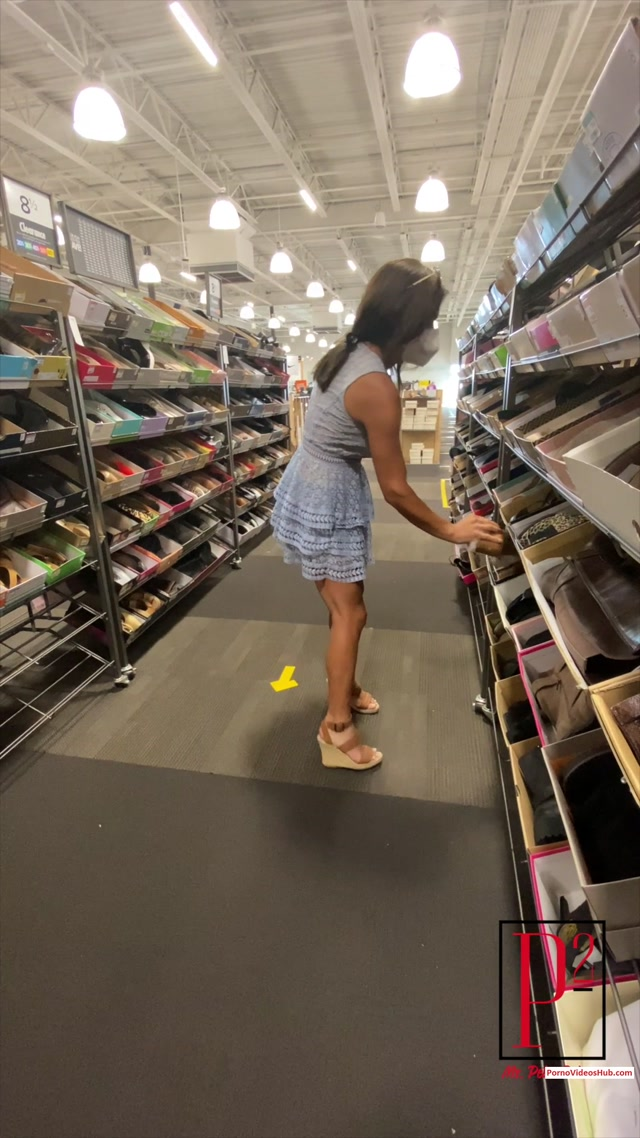 Ms_Petra_Petrova_in_Peeing_at_the_shoe_store_-__12.95__Premium_user_request_.mp4.00008.jpg